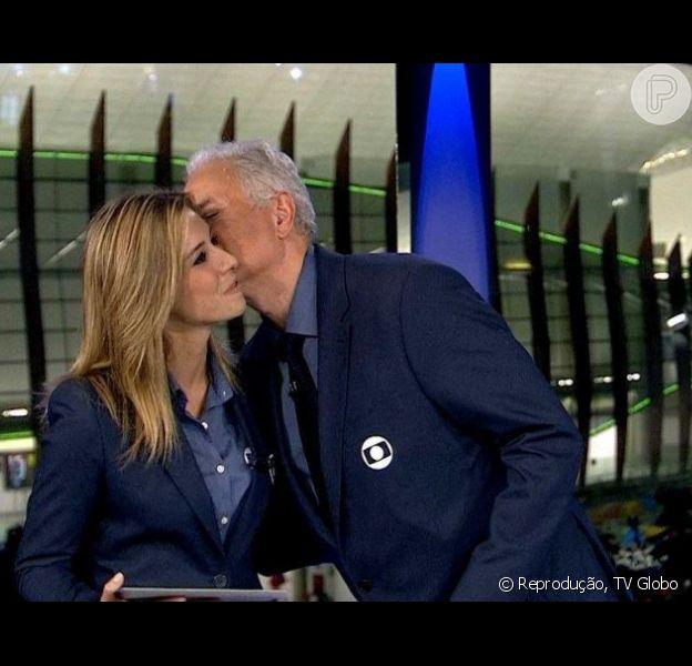 William Waack deu um beijo em Cris Dias no 'Jornal da Globo' desta sexta-feira, 19 de agosto de 2016