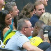 Neymar e Bruna Marquezine deixam o Maracanãzinho juntos após ouro do vôlei