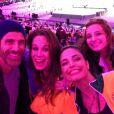 Reynaldo Gianecchini, Mariana Ximenes, Lorena Comparato, Emanuelle Araújo e Ricardo Tozzi posam na cerimônia de encerramento das Olimpíadas Rio 2016