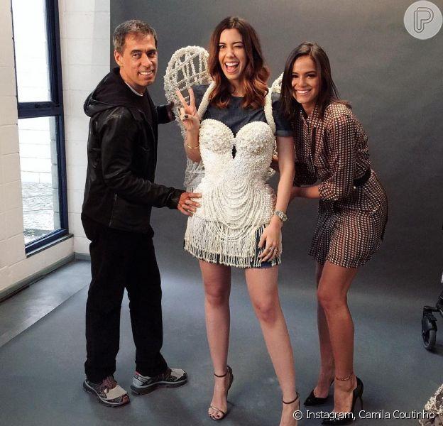 Bruna Marquezine mostrou o figurino de Beatriz em 'Nada Será Como Antes'