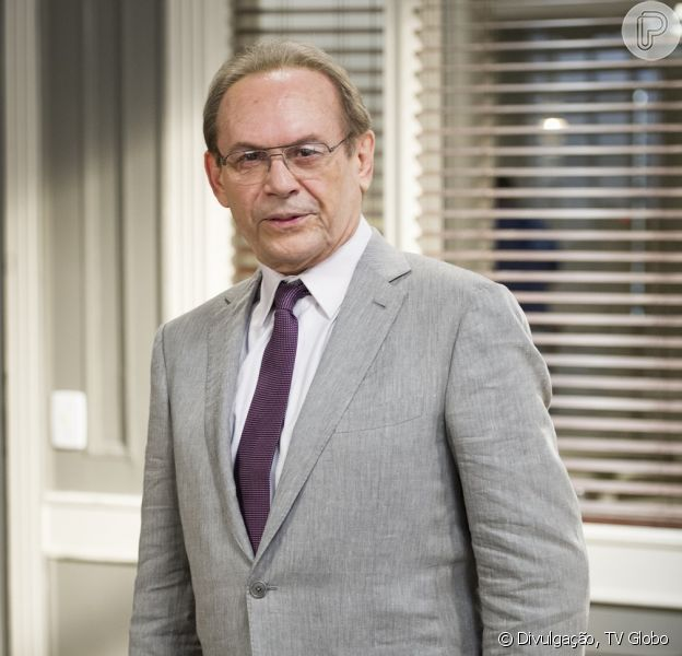 José Wilker nega ter pedido para sair de 'Amor à Vida', em conversa com Purepeople nesta quinta-feira (28 de novembro de 2013)