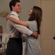 Gerusa (Giovanna Grigio) dança valsa com o noivo Osório (Arthur Aguiar) antes de morrer