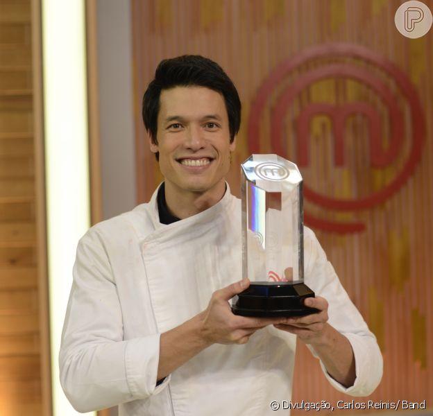 Leonardo Young, campeão do 'MasterChef Brasil', desistou da campanha de financiamento coletivo para abrir hamburgueria após críticas