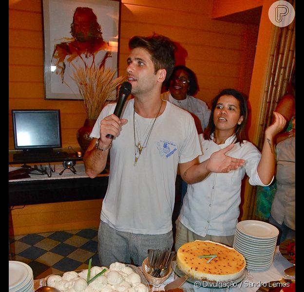 Bruno Gagliasso participa de Festival Gastronômico na Pousada Zé Maria, em Fernando de Noronha, em 29 de dezembro de 2012