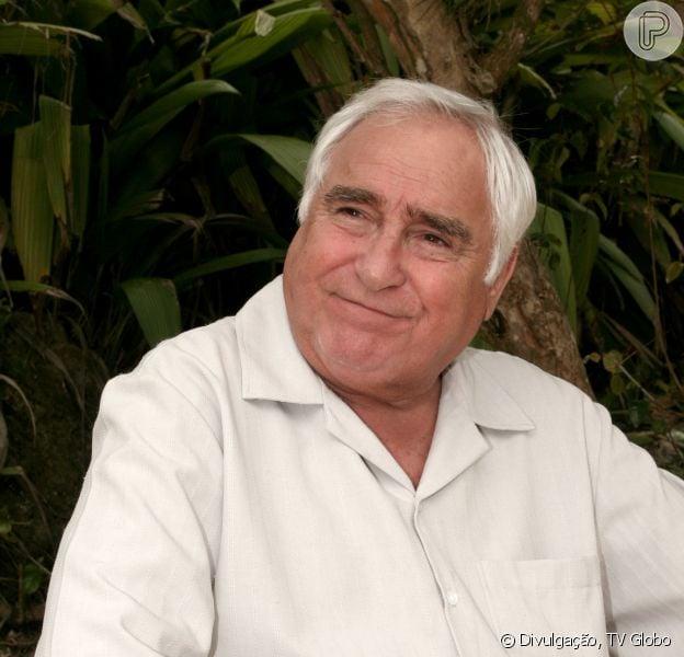 Luís Gustavo recebe alta hospitalar após 32 dias internado devido a problemas no coração, em 03 de dezembro de 2013
