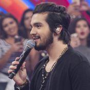 Luan Santana brinca sobre visual cabeludo: 'Quando cresce, a gente amarra'