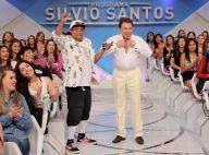 Silvio Santos 'troca' de roupa no palco e agita a web: 'Eu vivi para ver isso'