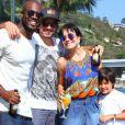 Rafael Zulu recebe a atriz Julina Knust e família em sua festa de aniversário de 34 anos
