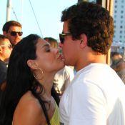 Paloma Bernardi e Thiago Martins se beijam em festa de Rafael Zulu. Fotos!