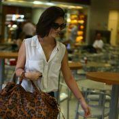 Isabelle Drummond embarca sozinha em aeroporto do Rio de Janeiro