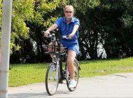 Angélica mostra boa forma em passeio de bicicleta ao gravar 'Estrelas'. Fotos!