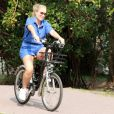 Angélica andou de bicicleta na Lagoa Rodrigo de Freitas nesta quinta-feira, 15 de setembro de 2016