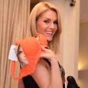 Ana Hickmann participa de lançamento de lingeries e posa para fotos com fãs