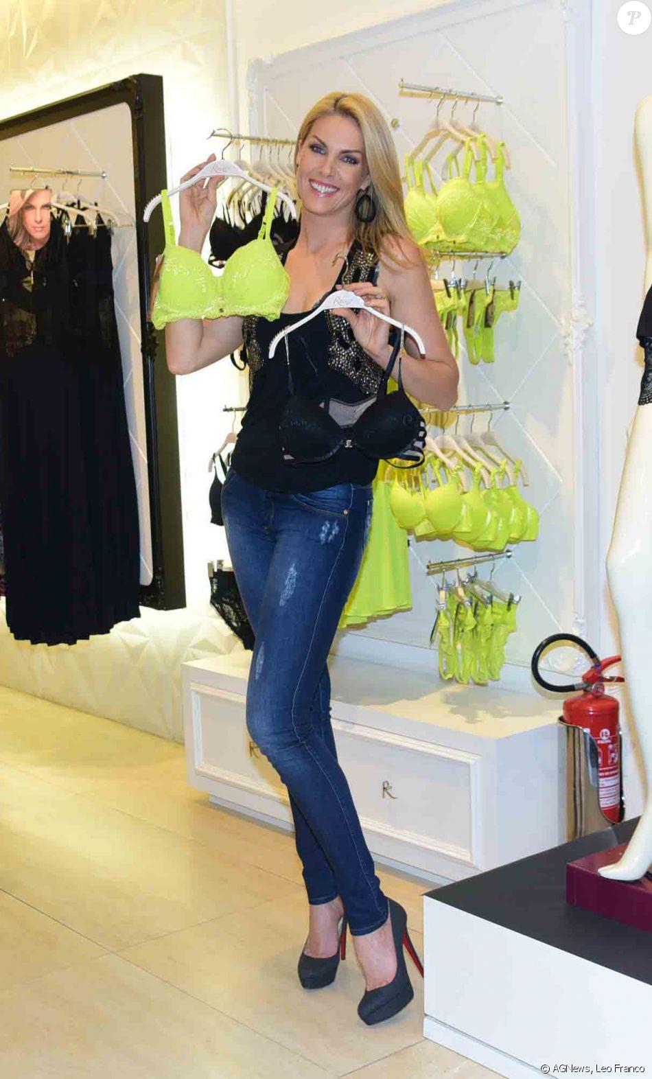 b9e4cdbfb2c37 Ana Hickmann posou com as lingeries da grife da qual é garota propaganda