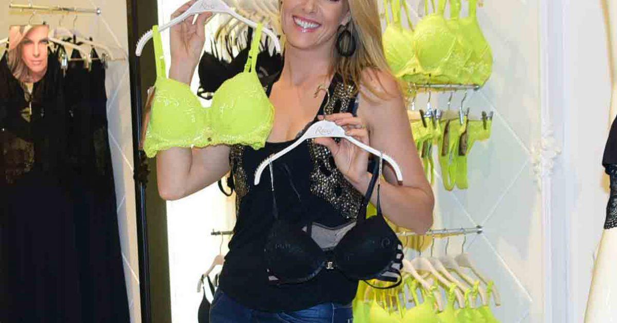 6c73e44f126cc Ana Hickmann posou com as lingeries da grife da qual é garota propaganda -  Purepeople