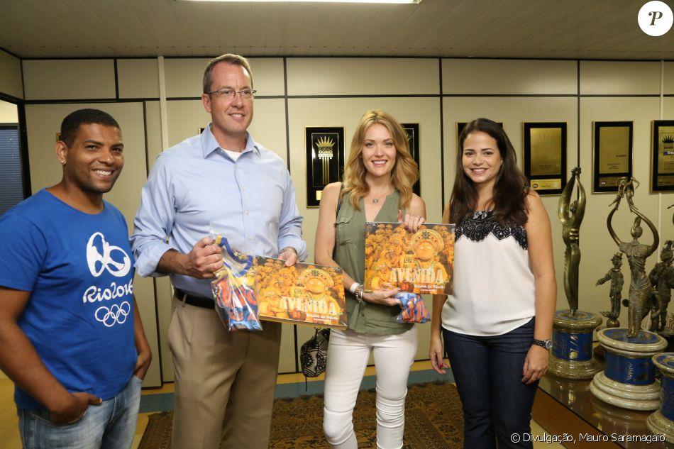 Amy Purdy visitou a quadra da Unidos da Tijuca com o cônsul dos Estados Unidos,  Jimmy Story