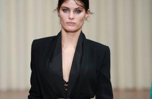 Isabeli Fontana brilha em desfile na Semana de Moda de Milão. Fotos!