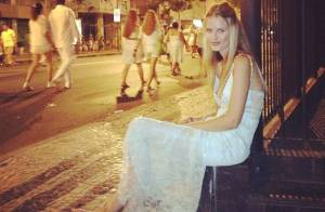 Yasmin Brunet posta foto sem glamour algum depois de festa de Réveillon no Rio