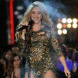 Shakira, Courtney Cox, Adam Lambert, Will.i.am e Cody Simpson, são outros famosos que também participaram do clipe