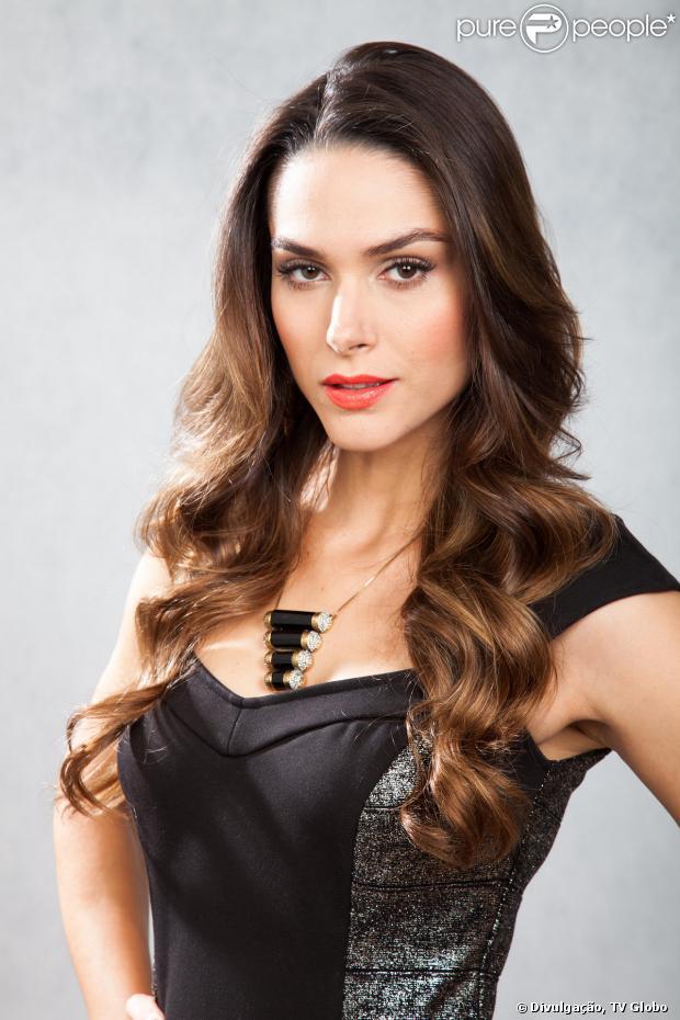 Leila (Fernanda Machado) morre queimada no final de  em 'Amor à Vida', em janeiro de 2014