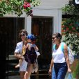 A babá de Sofia acompanhou Grazi Massafera durante as compras