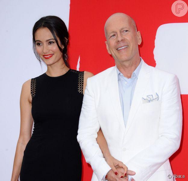 Bruce Willis vai ser pai do quinto filho. Ele é casado com a modelo Emma Heming. A informação foi divulgada em 18 de dezembro de 2013