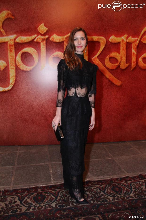 Nathalia Dill também ficou ruiva para intepretar a vilã Sílvia em 'Joia Rara'