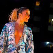 Claudia Leitte abusa de decote e comemora show de Réveillon: 'Tirando ondinha'