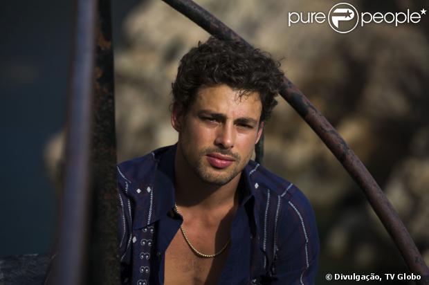 Cauã Reymond está em 'Amores Roubados', que estreia dia 6 de janeiro de 2014 na Globo