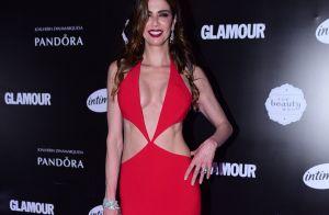 Luciana Gimenez, nua, posta foto escolhendo sapatos: 'Dúvida cruel'