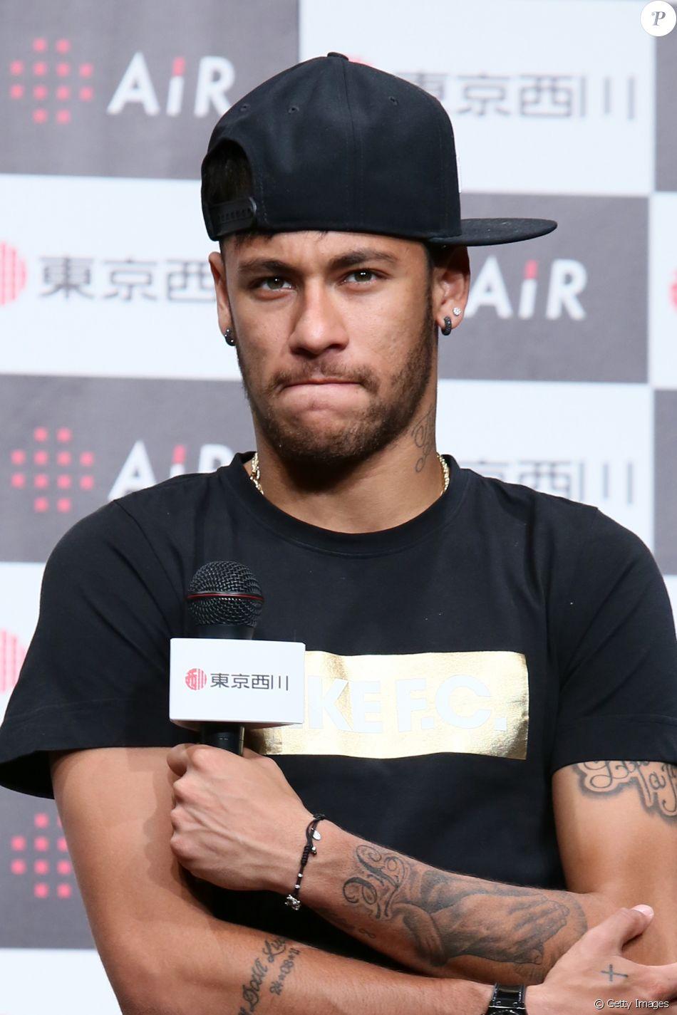 9d568b0dc Neymar lamentou a queda do avião que levava o time da Chapecoense   Força