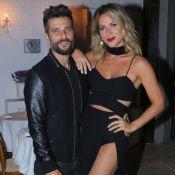 Giovanna Ewbank deixa hot pants à mostra em evento com Bruno Gagliasso