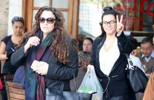 Letícia Lima posa com Ana Carolina: 'Não vale a pena o que não vale a pele'