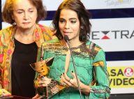 Viúva de Domingos Montagner chora ao receber prêmio pelo ator: 'Está orgulhoso'