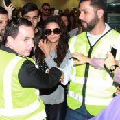 Nina Dobrev, de 'Vampire Diaries', é cercada por fãs em aeroporto de SP. Fotos!
