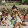 A atriz Grazi Massafera exibiu seu corpo em forma na praia da Barra da Tijuca, Zona Oeste do Rio, nesta quarta-feira, 8 de janeiro de 2014