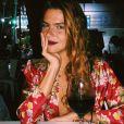 Mariana Goldfarb ama os superdecotes e combina o detalhe com acessórios delicados. O body é da grife Zara