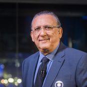 Galvão Bueno chora com chegada de corpos do time da Chapecoense: 'Deus abençoe'