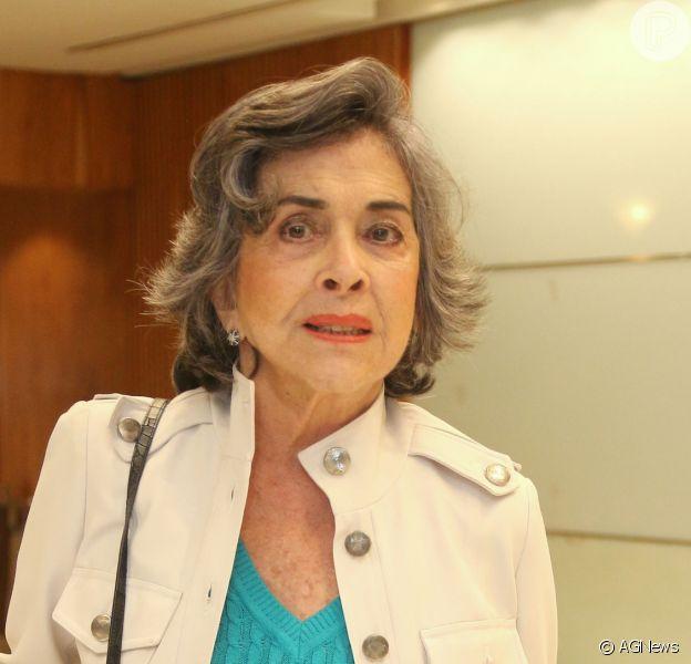 Bettty Faria está sendo cobrada na Justiça e pode ter que pagar multa em torno de R$ 10.500, diz a coluna 'Beira-Mar', da revista 'Veja Rio'