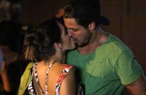 Giovanna Lancellotti é flagrada aos beijos com o publicitário Marco Farah