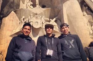 Neymar curte passeio turístico em Barcelona e visita igreja com amigos