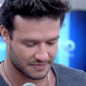 Nando Rodrigues, o Virgílio de 'Em Família', se emociona na TV com recado da mãe