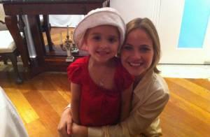 Luiza Valdetaro, de 'Joia Rara', comemora fim do tratamento de leucemia da filha