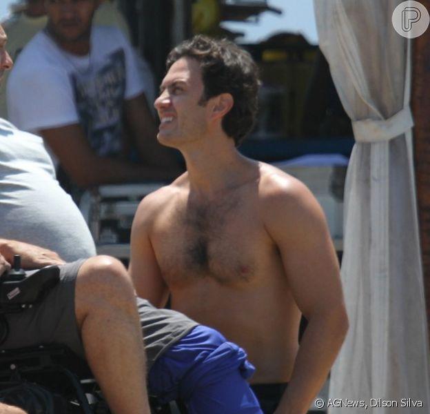 Gabriel Braga Nunes grava cenas de 'Em Família' com  Ronny Kriwat e Nelson Baskerville, no Rio de Janeiro, em 11 de fevereiro de 2014