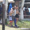 Gabriel Braga Nunes grava cenas de 'Em Família' com Ronny Kriwat e Nelson Baskerville, no Rio de Janeiro