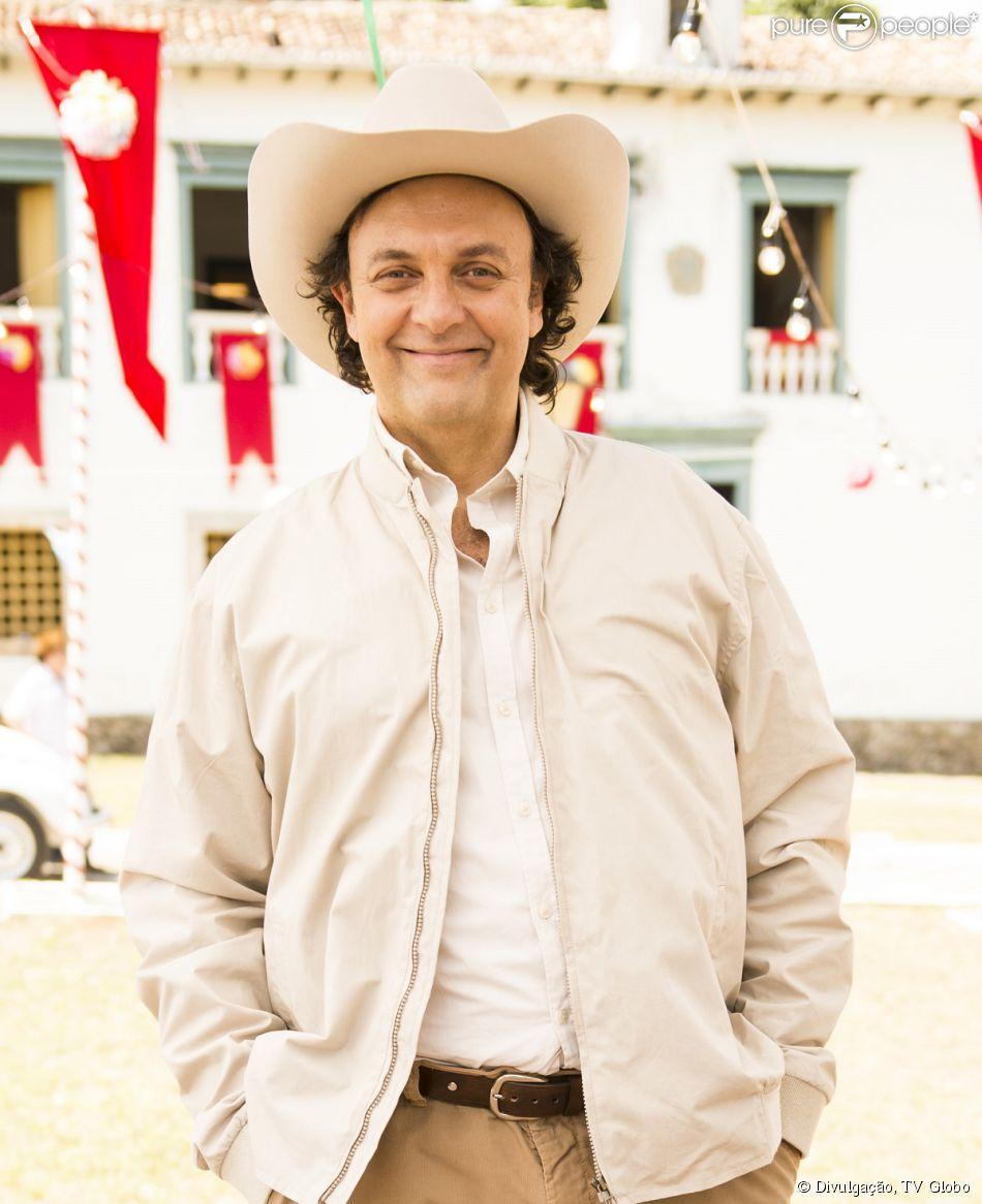 Nelson Baskerville interpreta Itamar nas três fases da novela 'Em Família'
