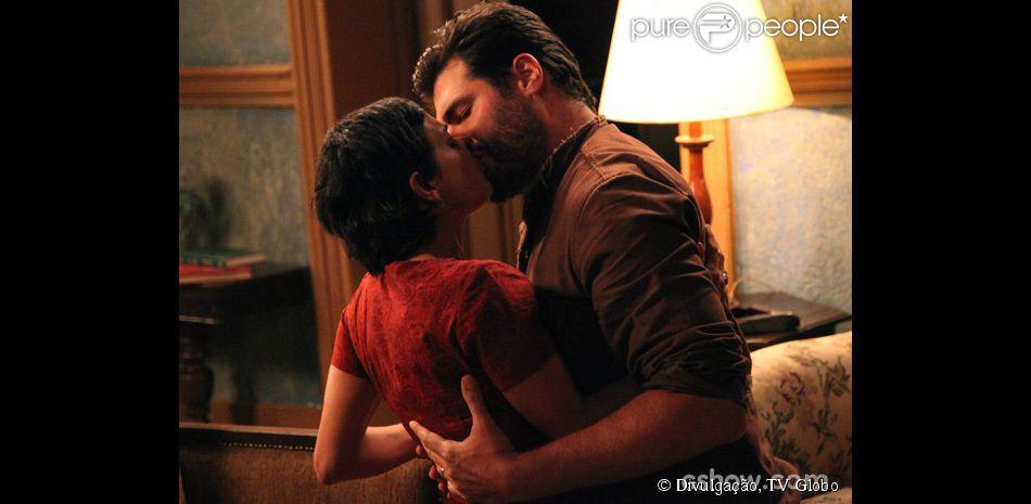 Toni (Thiago Lacerda) e Gaia (Ana Cecília Costa) decidem retomar seu casamento, em 'Joia Rara', em 24 de fevereiro de 2014