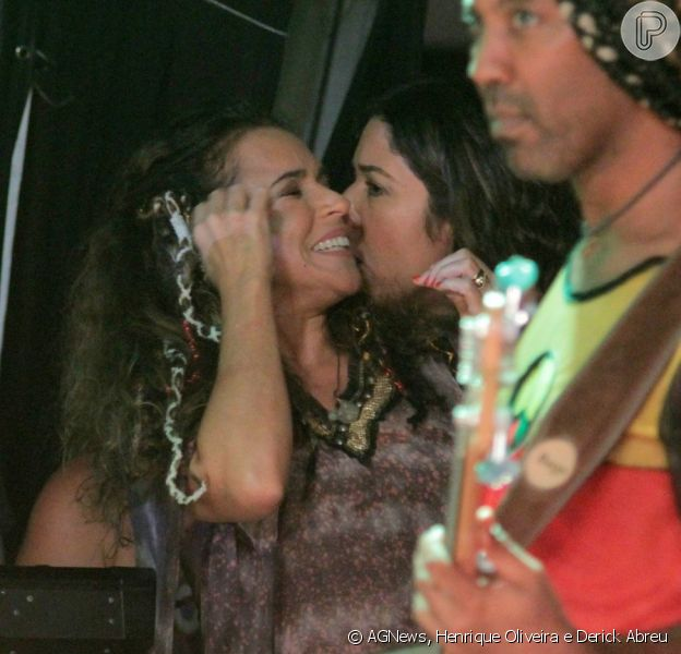 Daniela Mercury se apresentou na noite de terça-feira, 25 de fevereiro de 2014, ao lado da banda Olodum em Salvador, na Bahia