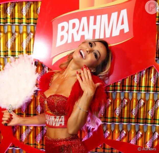 Sabrina Sato recebeu mais de R$ 500 mil para assumir o posto de musa do camarote da Brahma neste carnaval
