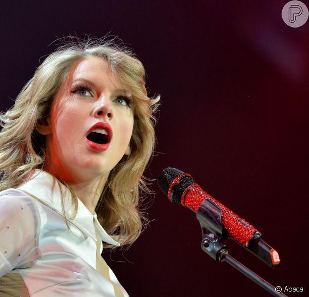 Taylor Swift foi a cantora que mais faturou nos Estados Unidos em 2013